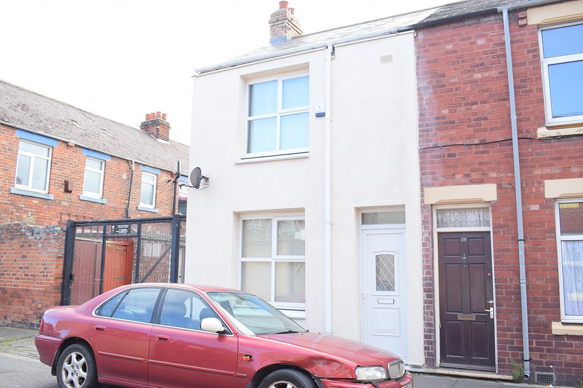 Charterhouse Street 2 Bedrooms £350 pcm