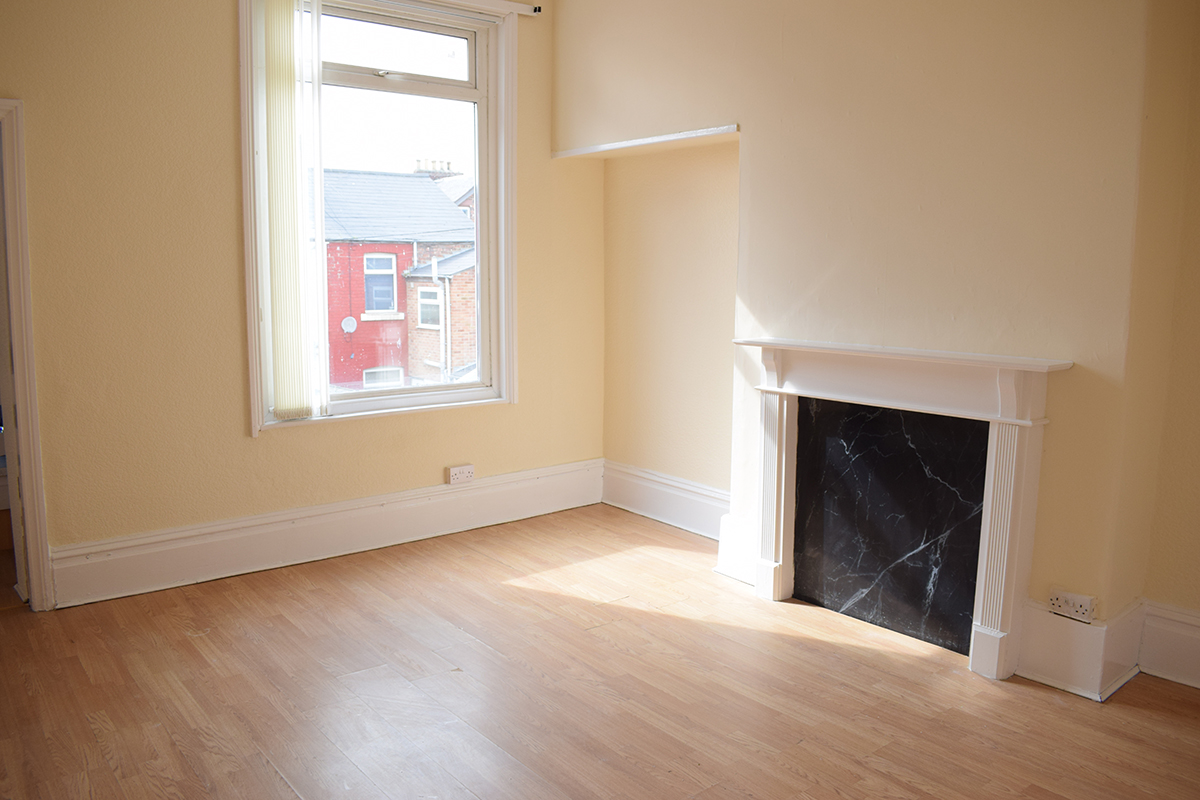 Stockton Road 2 bedroom flat £85pw