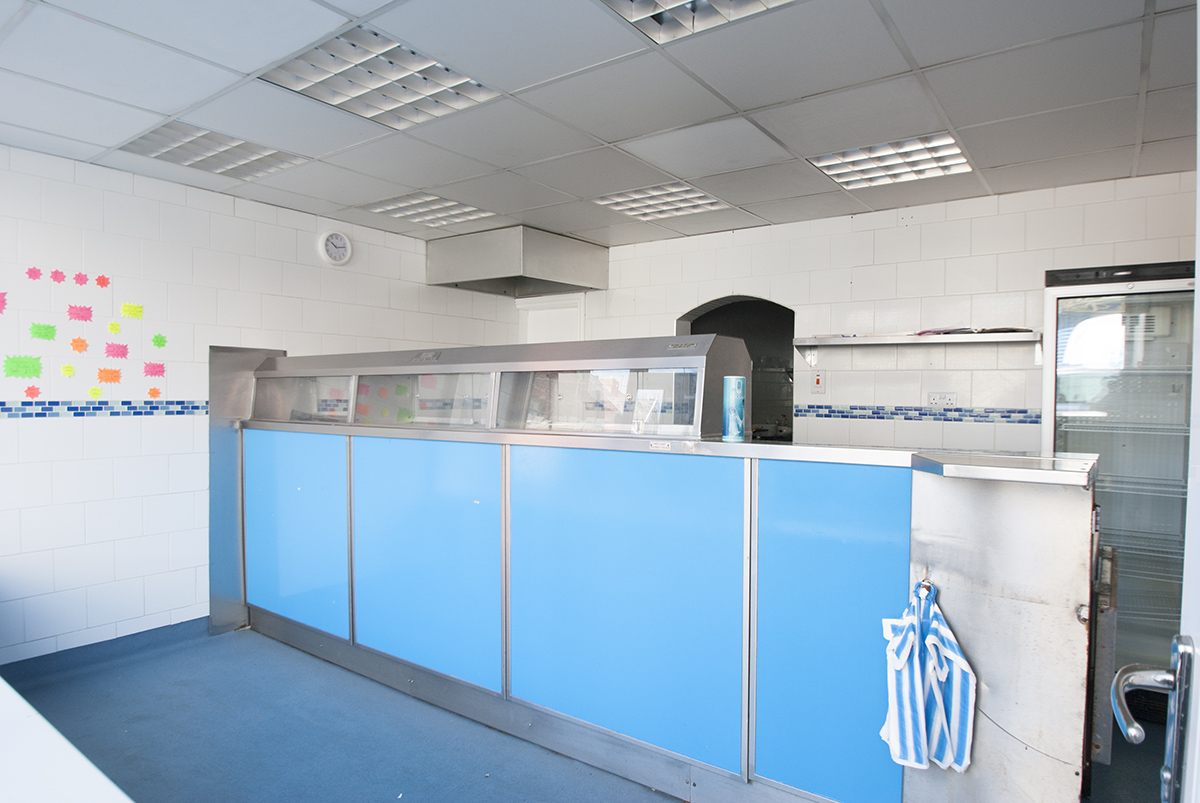 Fish shop For Sale and 3x Flats OIRO £75,000