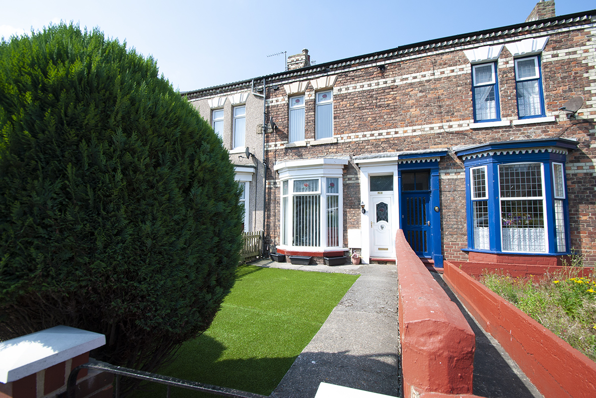 South Parade 3 Bedroom 3 Storey Terrace OIRO £73,500